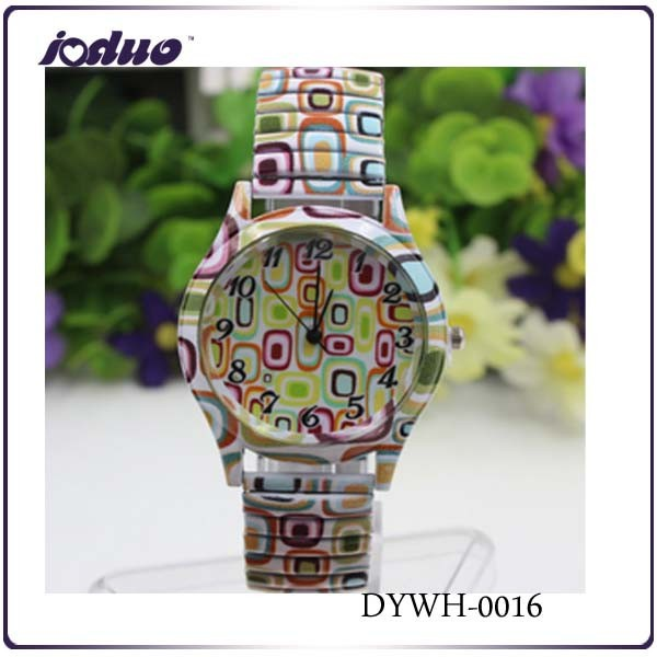 2015 wholesale Pure And Fresh And Square Design Bracelet Watch Lady Fancy Stretch Watch