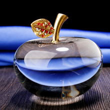 All sizes wholesale 3D clear crystal apple with gold leaf for souvenir