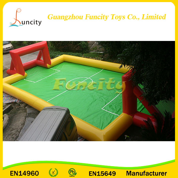 0.6mm or 0.9mm PVC tarpaulin portable Inflatable Soap Football Field,Inflatable Football Court For Daily World Cup Usage