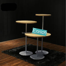 2*2C retractable pop up display table