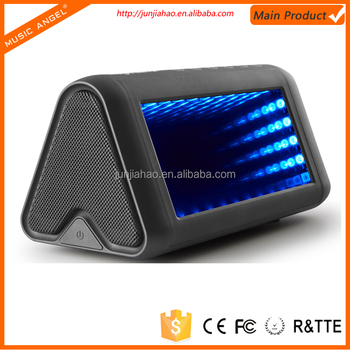 2016 New Colorful 3D LED Lights Subwoofer Bluetooth Speaker