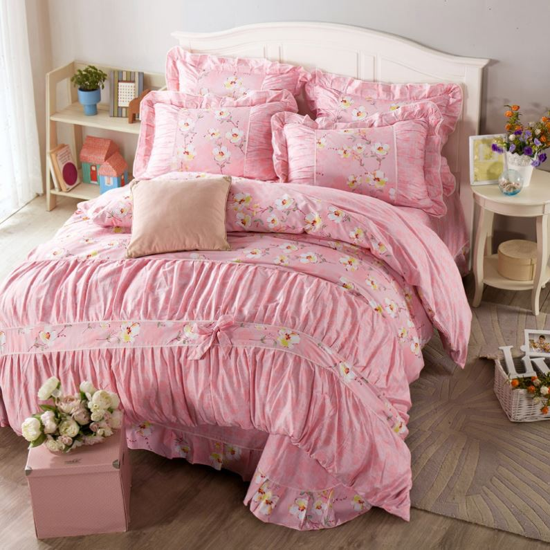 Professional hand embroidery bed sheets designs cheap price