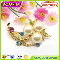 Factory price custom pearl flower golden brooch pin #5737