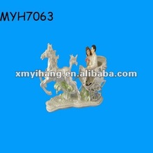 2012 new fashion resin wedding bridal silver figurine of bride, bridegroom and carriage