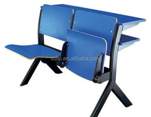 College Amphitheatre classroom using plastic school chair,wood desk and chair