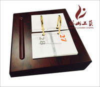 2015 luxury office table wooden calendar with pen holder