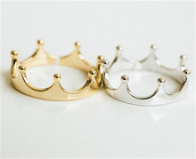 R011-New trendy gold/silver crown ring jewelry wholesale Queen style ring stacking rings bridesmaid gift