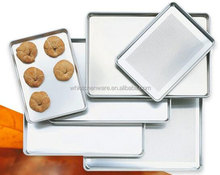"18"" x 26"" Full Size Wire in Rim Baking Aluminum Bun Pan/Sheet Pan"