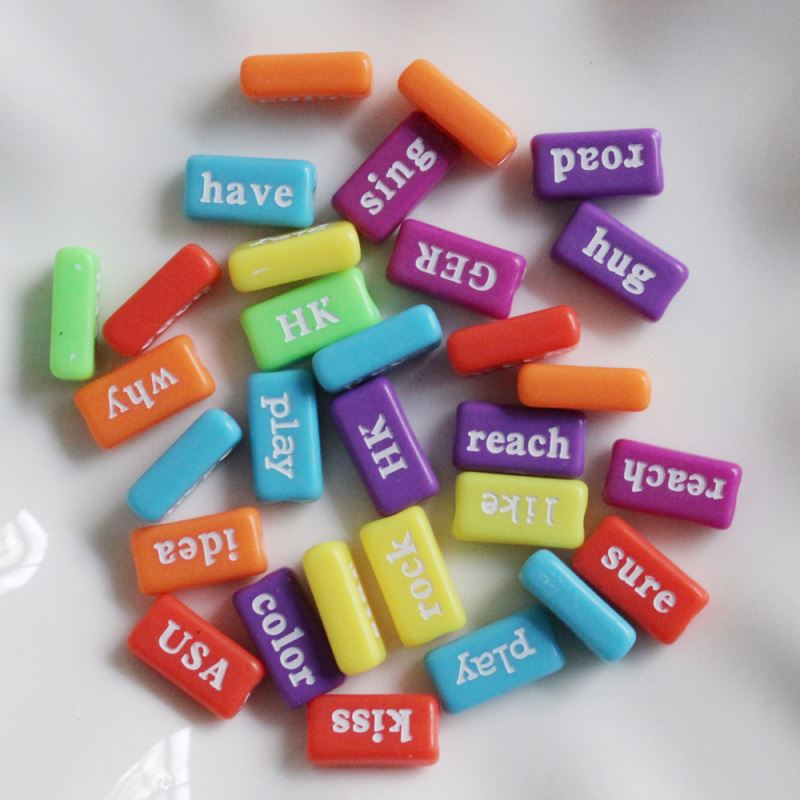 Factory Wholesale 8*15MM Colors Opaque Rectangle White Word Beads Plastic Alphabet Letter Beads for Learning Toy Making