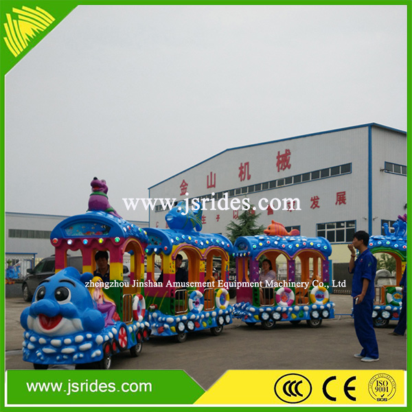 Electric christmas train playground equipment used trackless train for sale