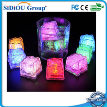 custom plastic glow ice cube led