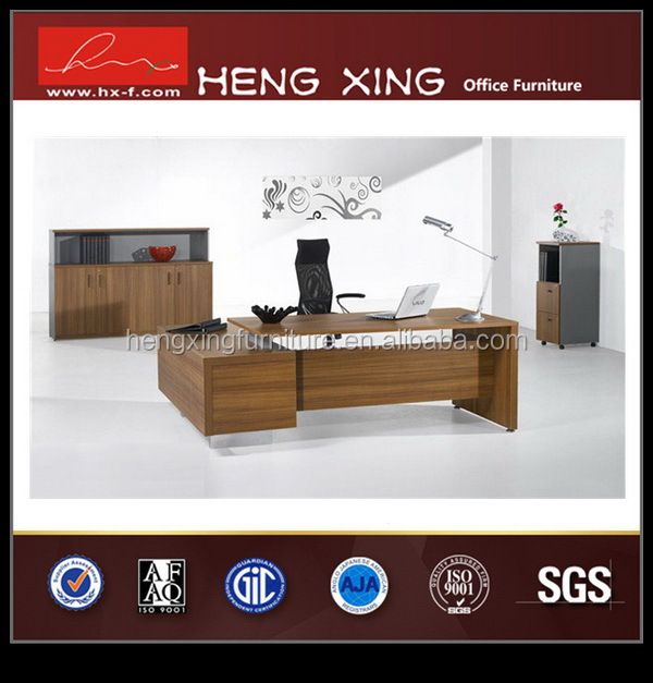 Fashional creative executive desk with discussion table