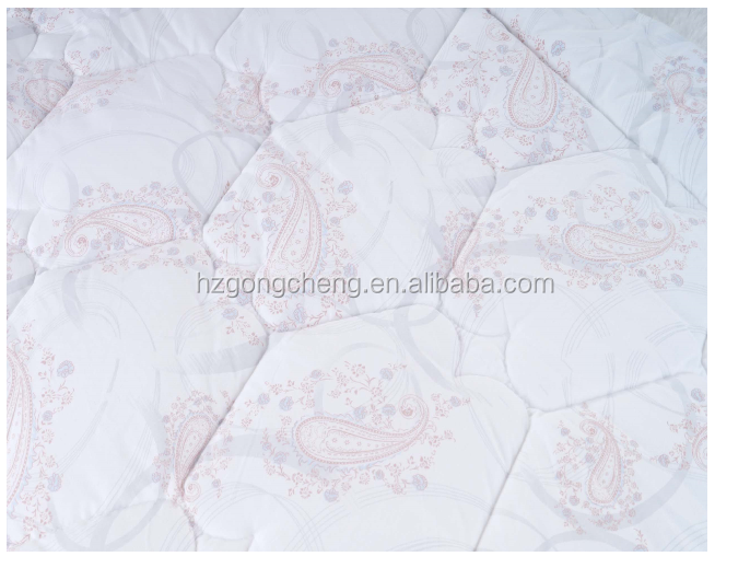 100%polyester comfortable and breathe freely quilt with the printing patterns art originated from Europe