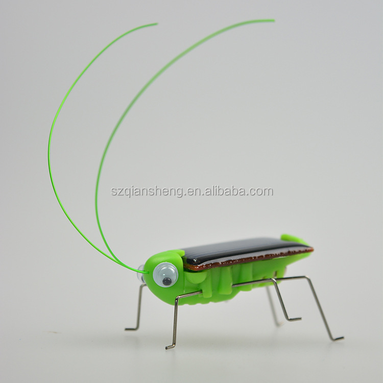 New Educating solar Panel powered toy grasshopper plastic electronic toy