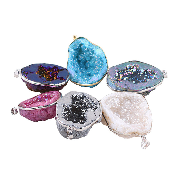 Agate druzy geode <strong>pendant</strong> with gold plated