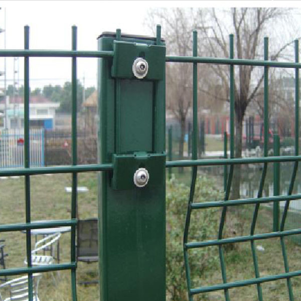 China factory direct supplier shock price SGS certification plastic lattice fence