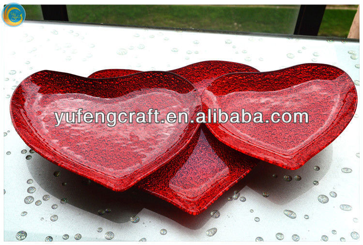 red heart sharped glass dishes factory supply