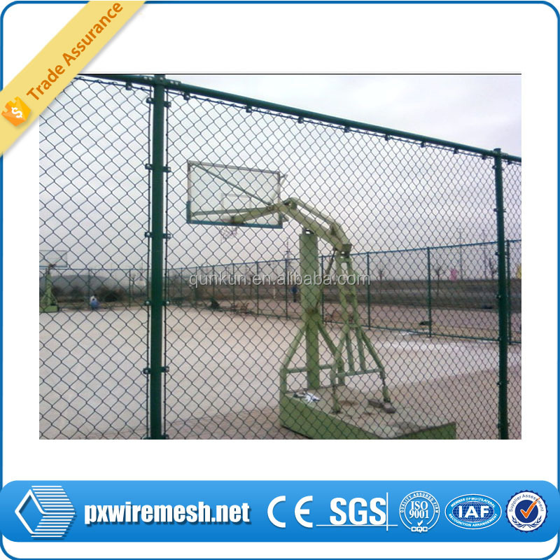Chain link mesh type and low carbon iron wire material