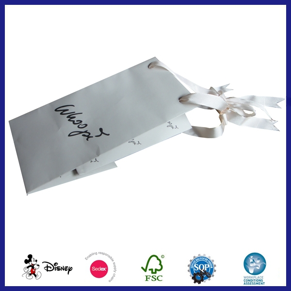 Wholesale Luxury Elegant Bulk Christmas Wine Paper Gift Bags