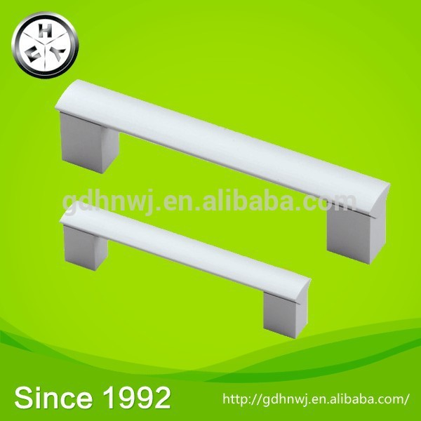 With 3000 square meters of building area factory price aluminum pull handle glass door