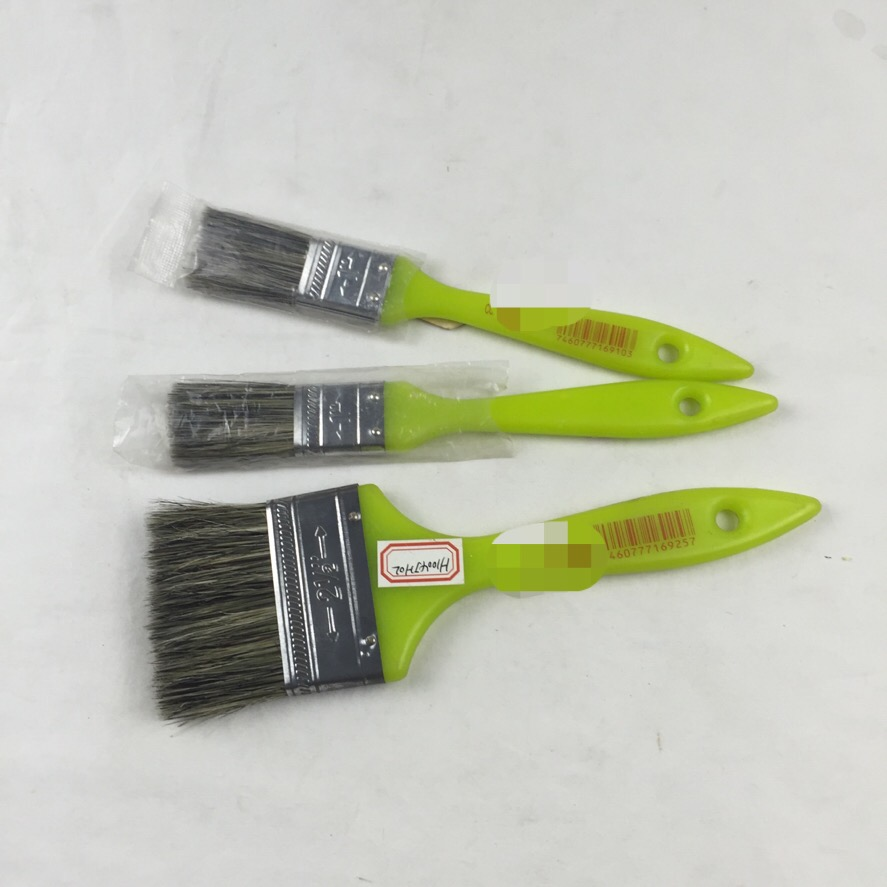 Plastic handle paint brush