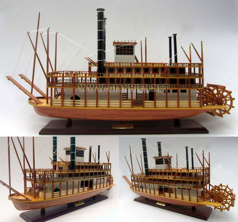 RIVER BOAT KING MISSISIPPI WOODEN MODEL BOAT - WOODEN DECORATION