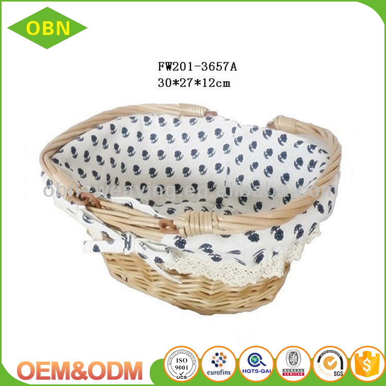Handmade weaving wicker basket made of rattan for egg storage