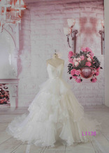 2016 guangzhou wholesale cheap puffy vintage lace A-line wedding bridal gowns low back