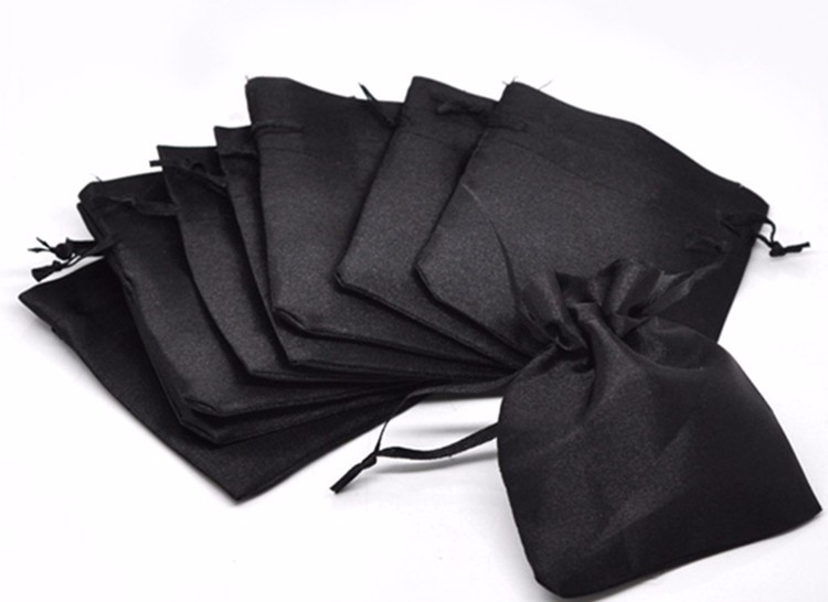 Promotion Trendy Cheap Black Satin Fabric Christmas Wedding Gift Bags & Pouches with Drawstring