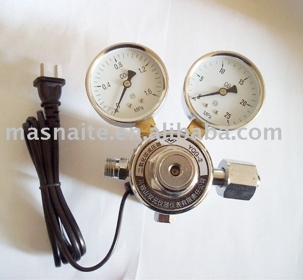 Electrical heater CO2 pressure regulator