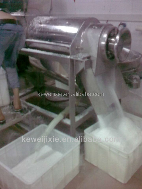 Coconut milk processing machine