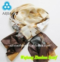 2012 fashion ink printed 100% silk scarf shawl with roll-hemming