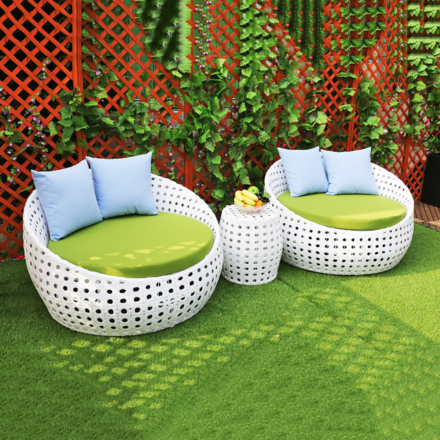 high quality and grade rattan outdoor beach chaise round sun bed
