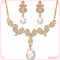 Wholesale Fashion Wing Crystal Jewelry Sets Butterfly Shaped with Pearl Beads Tassel Necklaces
