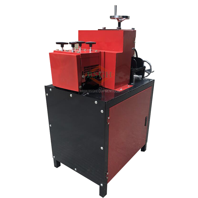 Hot selling in the copper wire recycling markets big cable stripping machine remove the plastic skin from <strong>wasted</strong> copper wire