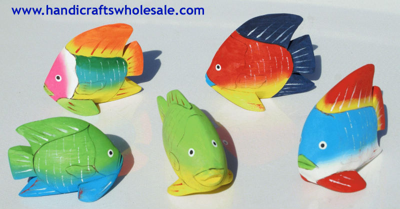 Small Colored Balsa Wood Fish Carvings, Handmade Statues Sculptures Crafts for Sale