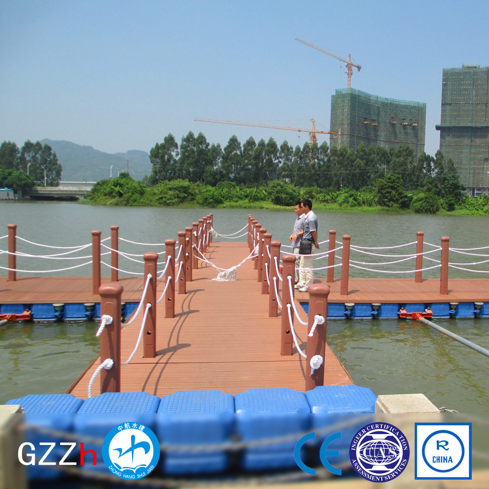 slip resistant surface modular floating jetty