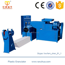 Crusher Plastic Machine to Recycle Plastic Water Bottles Flakes