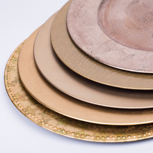 Wholesale cheap gold silver plastic charger <strong>plates</strong> for wedding plastic charger <strong>plates</strong>