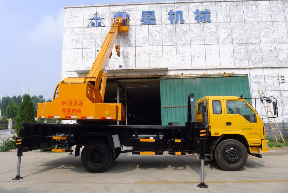hot sale & high quality 12T Truck Crane for sale