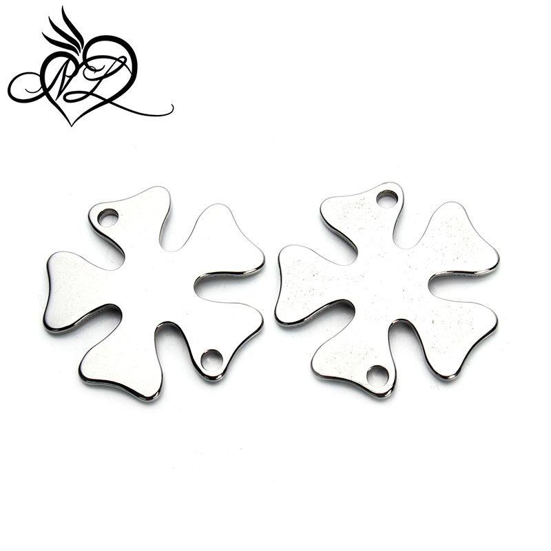 Stainless steel jewelry <strong>accessory</strong> blank plain lucky four clover tags charms stainless steel clover charms