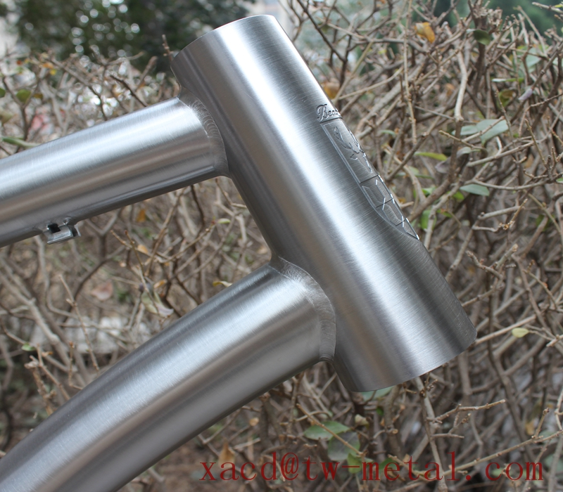 ti fat bike frame with clamp titanium beach bike frame with taper head tube and thru axle dropouts XACD made ti snow bike frame
