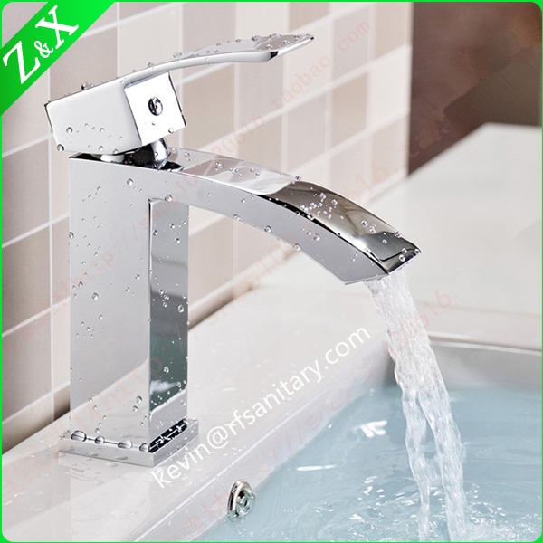 Luxury Brass Wash Basin Mixer, Hot Cold Water Automatic Faucet, Chrome Finishing and Deck Mounted