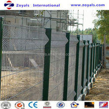 Manufacturer ISO9001 wood type cheap pvc welded fence