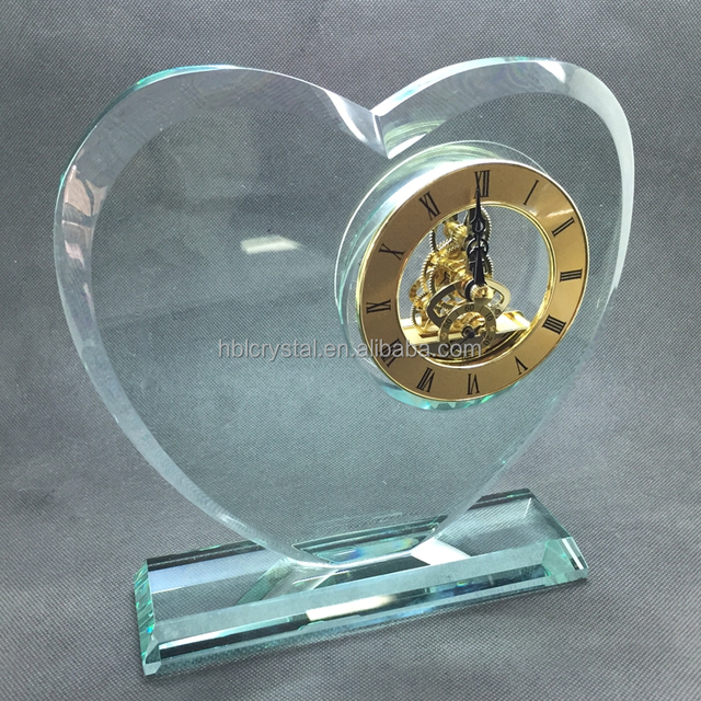 2018 wonderful high quality heart shape glass award with nice mechanical clock