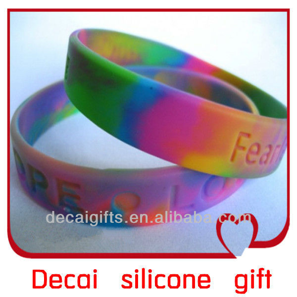 2013 High quality stylish wholesale italian charm silicone bracelets