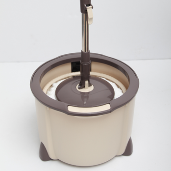 Manual lifting spin microfiber mop and bucket with single compartment