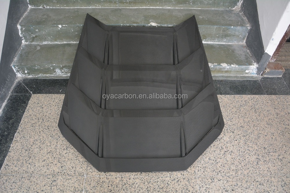 Carbon engine cover for Lamborghini Huracan LP610