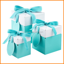 Green small pretty boxes for gift