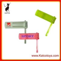 Promotion Plastic Small Toys Hand chapper,Noise Making toys